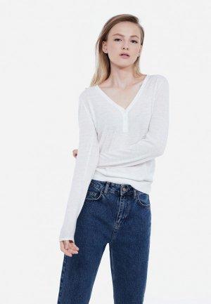 Пуловер Lime. Цвет: белый