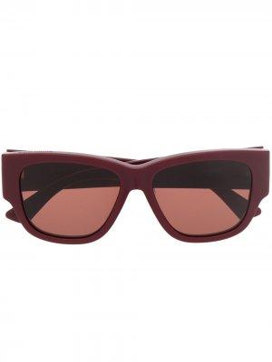 Солнцезащитные очки в квадратной оправе Bottega Veneta Eyewear. Цвет: красный