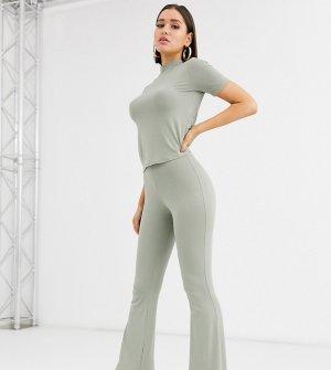 Комбинируемые расклешенные брюки шалфейного цвета -Зеленый Missguided