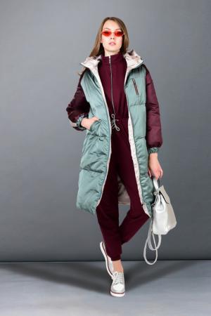 Куртка утепленная GRAFINIA. Цвет: зеленый