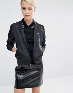 Куртка-пилот с нашивками-сердечками Amy Winehouse Foundatio Fred Perry. Цвет: черный