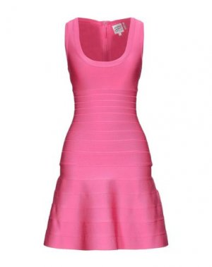 Короткое платье HERVÉ LÉGER. Цвет: фуксия