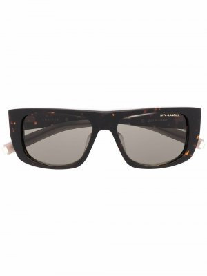 Солнцезащитные очки в квадратной оправе черепаховой расцветки Dita Eyewear. Цвет: коричневый