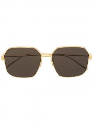 Солнцезащитные очки BV1047S в шестиугольной оправе Bottega Veneta Eyewear. Цвет: золотистый