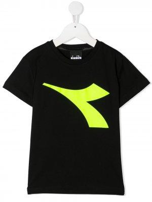 Футболка с логотипом Diadora Junior. Цвет: черный