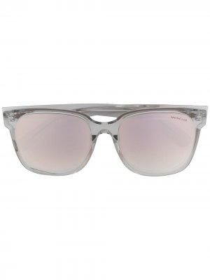 Солнцезащитные очки в D-образной оправе Moncler Eyewear. Цвет: серый