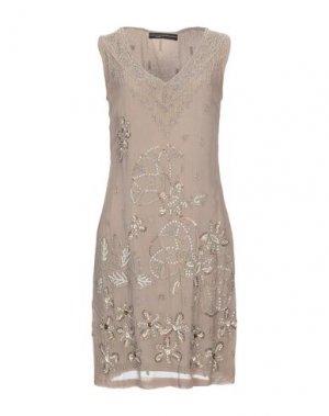 Короткое платье BLANK. Цвет: хаки