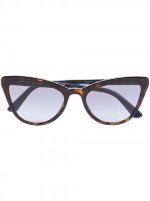 Солнцезащитные очки Catwalk в оправе кошачий глаз Prada Eyewear. Цвет: коричневый