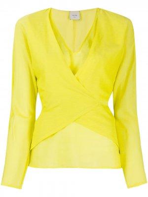 Блузка с запахом и завязками сзади Alysi. Цвет: желтый