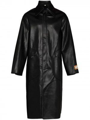 Пальто из искусственной кожи Boramy Viguier. Цвет: черный