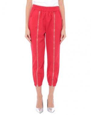 Джинсовые брюки-капри TPN. Цвет: красный