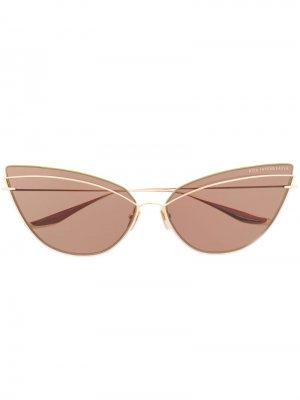 Солнцезащитные очки в оправе кошачий глаз Dita Eyewear. Цвет: золотистый