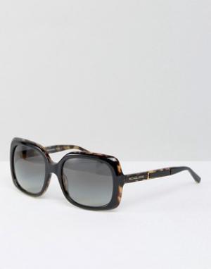 Большие солнцезащитные очки в квадратной оправе Michael Kors. Цвет: черный