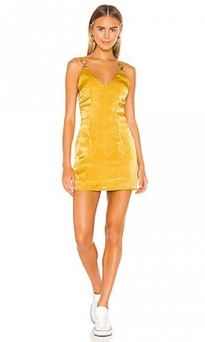 Платье с пряжкой jasmine superdown. Цвет: горчичный