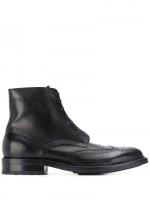 Ботинки с брогированием Saint Laurent. Цвет: черный