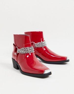 Красные лакированные ботинки челси в стиле вестерн на кубинском каблуке с серебристой цепочкой -Красный ASOS DESIGN