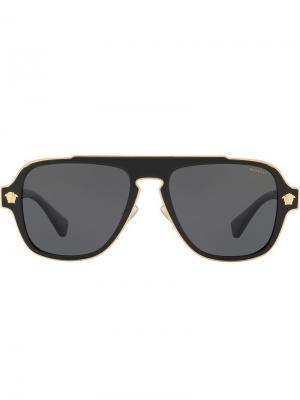 Солнцезащитные очки-авиаторы в квадратной оправе Versace Eyewear. Цвет: черный