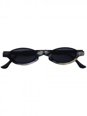 Солнцезащитные очки в овальной оправе из коллаборации с Ziggy Chen Rigards. Цвет: черный
