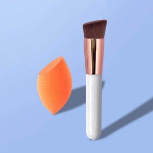 1шт Кисть для тональной основы & спонж макияжа SHEIN. Цвет: белый