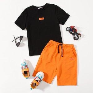 Топ с заплатками для мальчиков и неоновые оранжевые шорты SHEIN. Цвет: многоцветный