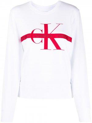 Толстовка с вышивкой и логотипом Calvin Klein Jeans. Цвет: белый