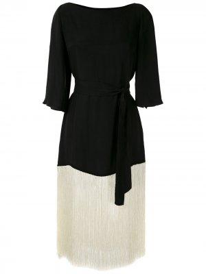 Платье с вырезом-лодочкой и бахромой Eva. Цвет: черный