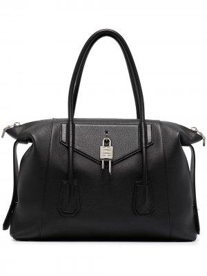 Сумка-тоут Antigona Lock Givenchy. Цвет: черный