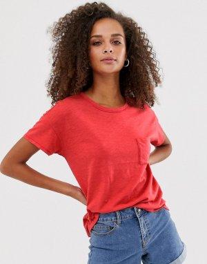 Свободная футболка с карманом Abercrombie & Fitch. Цвет: красный
