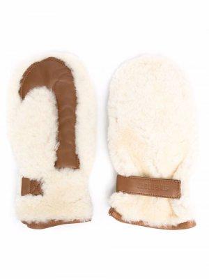 Перчатки с тисненым логотипом Jacquemus. Цвет: нейтральные цвета