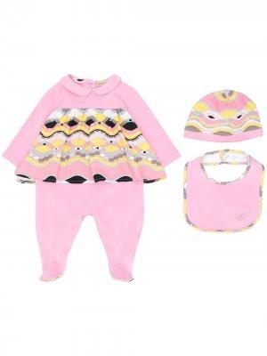 Детский комплект из комбинезона, шапочки и нагрудника с принтом Emilio Pucci Junior. Цвет: розовый