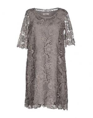 Короткое платье LUCKYLU Milano. Цвет: серый