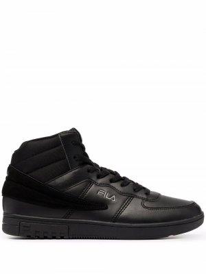 Ботинки на шнуровке Fila. Цвет: черный