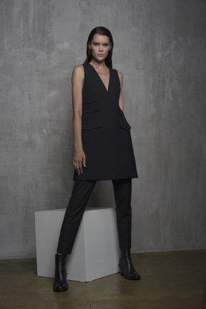 Расклешенный сарафан с карманами VASSA&Co. Цвет: черный