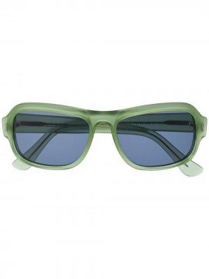 Солнцезащитные очки в прямоугольной оправе Cutler & Gross. Цвет: зеленый