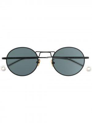 Солнцезащитные очки Resist Etudes. Цвет: черный
