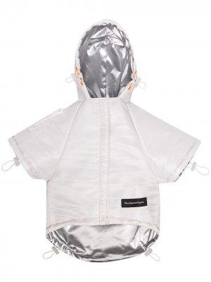 Куртка для домашнего питомца из коллаборации с V.I.P и NASA Heron Preston. Цвет: белый