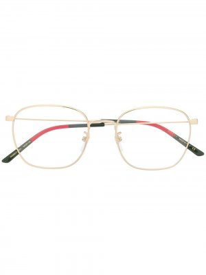 Очки GG0681O в квадратной оправе Gucci Eyewear. Цвет: золотистый