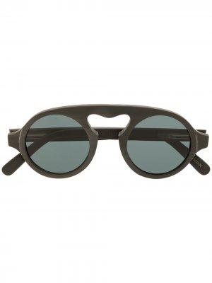 Солнцезащитные очки с закругленным мостом Rigards. Цвет: черный