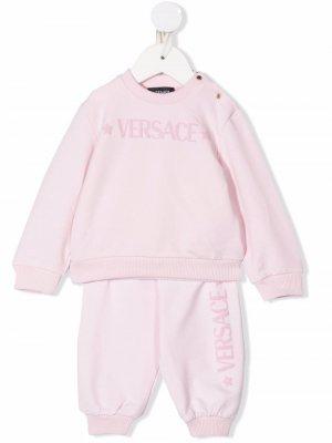 Спортивный костюм с логотипом Versace Kids. Цвет: розовый