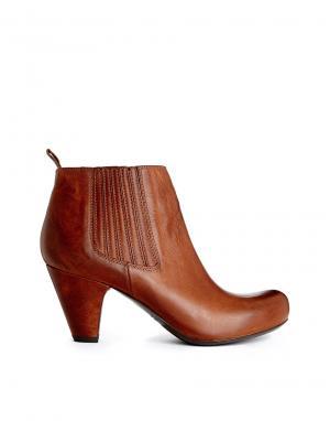 Leather Heeled Ankle Boots Gardenia. Цвет: oregon cognac