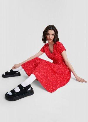 Платье миди в горох O`Stin. Цвет: красный