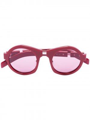 Солнцезащитные очки в круглой оправе с затемненными линзами Prada Eyewear. Цвет: красный