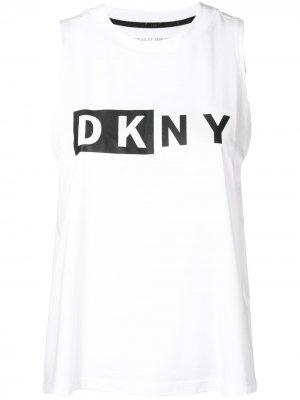 Топ с логотипом Donna Karan. Цвет: белый