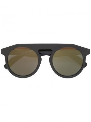 Солнцезащитные очки в толстой оправе Yohji Yamamoto. Цвет: коричневый