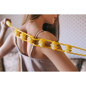 Массажёр-лента для спины, 6 звеньев с шипами, цвет жёлтый ONLITOP