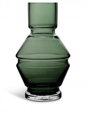 Стеклянная ваза Relæ (26 см) Raawi. Цвет: серый