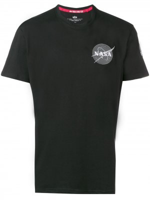 Футболка с нашивкой NASA Alpha Industries. Цвет: черный