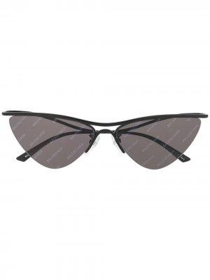 Curve logo print cat-eye sunglasses Balenciaga Eyewear. Цвет: черный