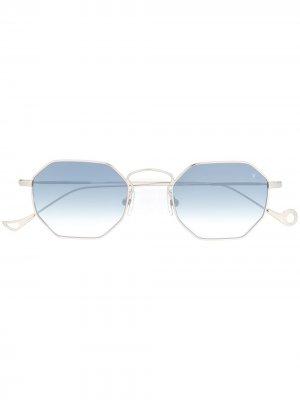 Солнцезащитные очки Claire Eyepetizer. Цвет: серебристый
