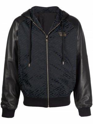 Куртка с капюшоном и узором Greca Versace. Цвет: черный